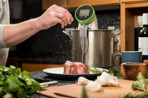 Review of the Nomiku WiFi Sous Vide 1100 Watt Immersion Circulator