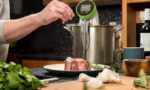 Nomiku WiFi Sous Vide Review